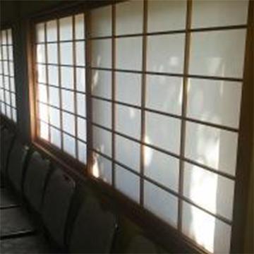 画像:待合室の障子を張り替えました。